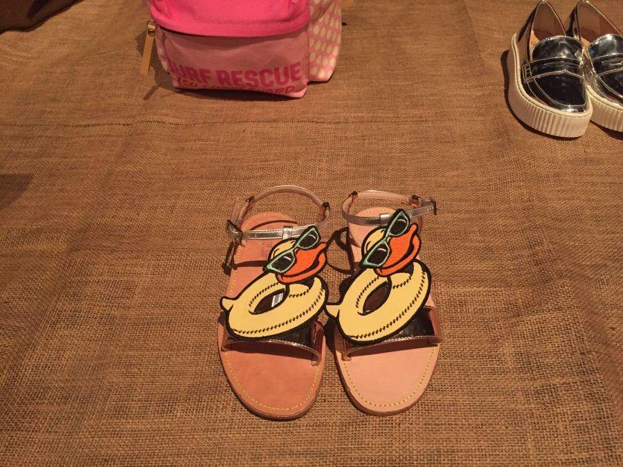 Ecco i sandali con paperella...