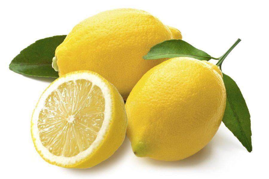 il limone è noto nella cosmesi per essere un aiuto nella lotta contro le macchie
