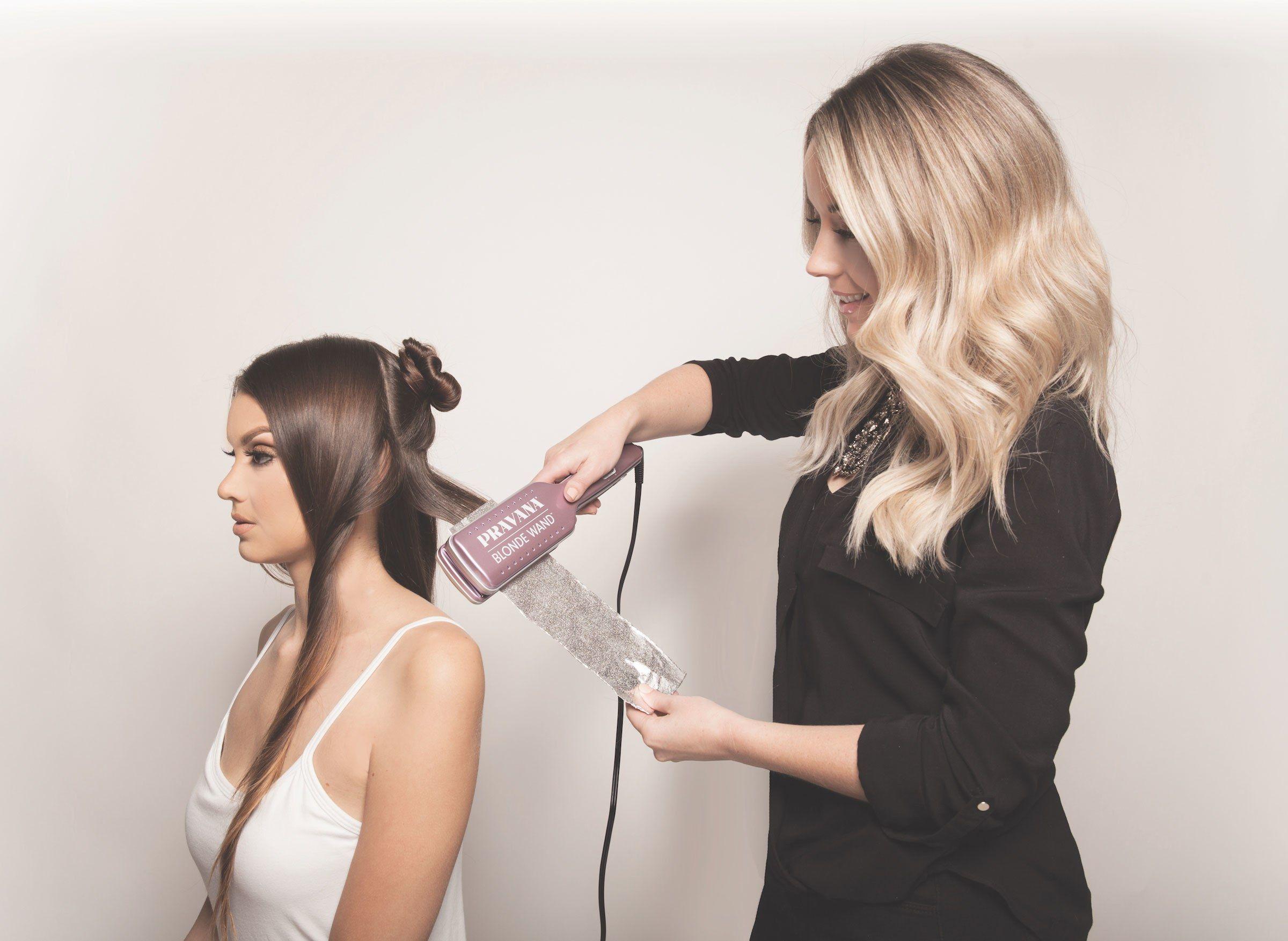 Schiarire i capelli con la piastra