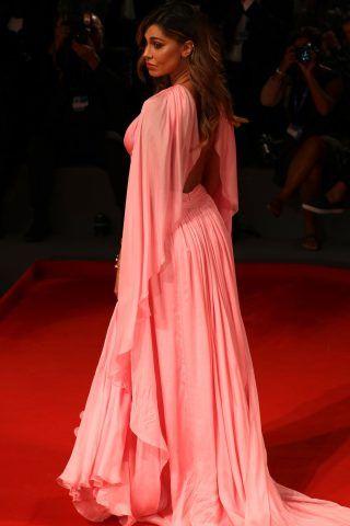 Belen Rodriguez  sul red carpet del film Arrival
