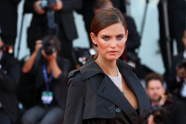 Bianca Balti sul primo red carpet di Venezia 2016.