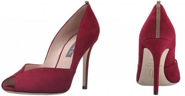 Le scarpe di Sarah Jessica Parker, in vendita su Amazon: decollete rosse
