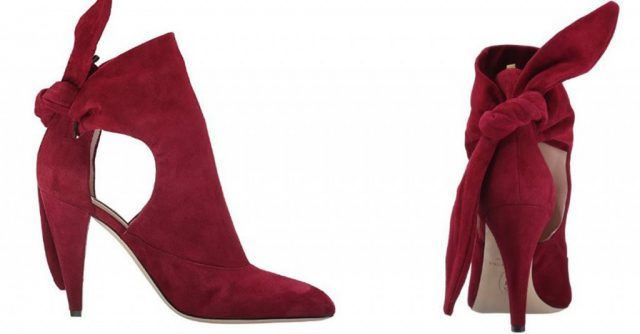 Le scarpe di Sarah Jessica Parker, in vendita su Amazon: ankle boot rossi