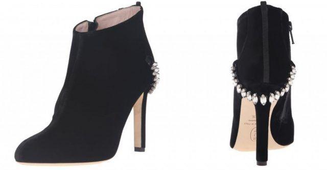 Le scarpe di Sarah Jessica Parker, in vendita su Amazon: anckle boot con dettaglio sul tacco