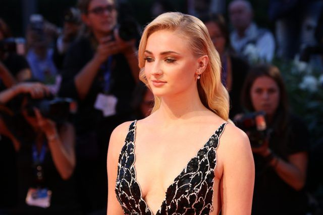 Sophie Turner partecipa alla Kineo Diamanti Award Ceremony