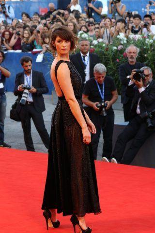 Gemma Arterton sul red carpet di The Young Pope