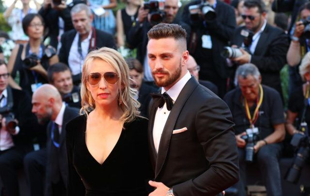 Aaron Taylor-Johnson e Sam Taylor-Johnson  sul red carpet di Nocturnal Animals