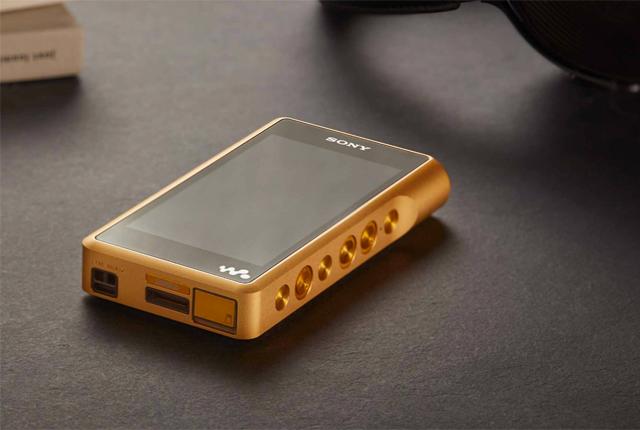 Il nuovo Premium Walkman ricoperto d'oro