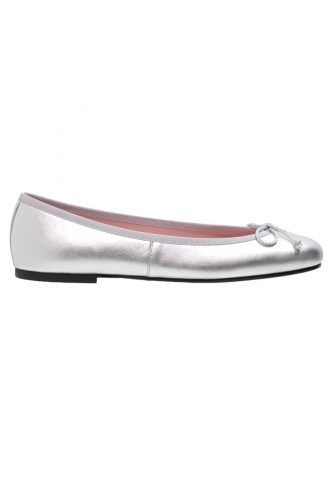 Pretty Ballerinas 140 €