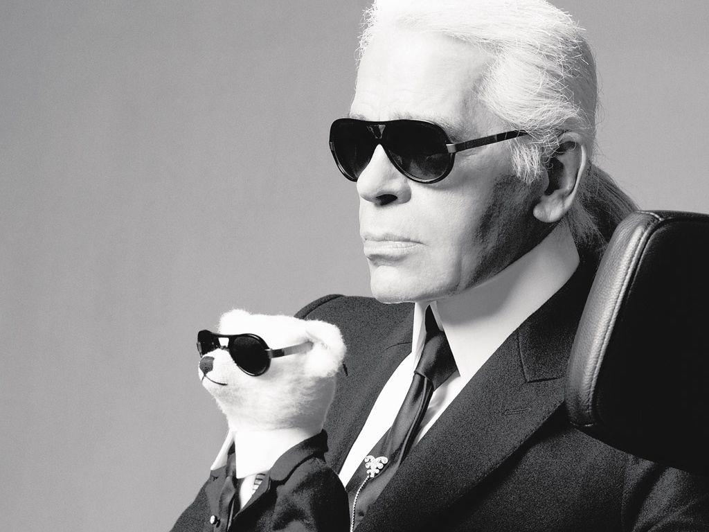 Karl Lagerfeld se n'è andato. Addio al genio creativo della moda