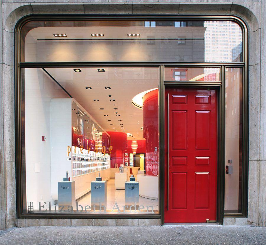 Red_Door_5th_avenue_New_York