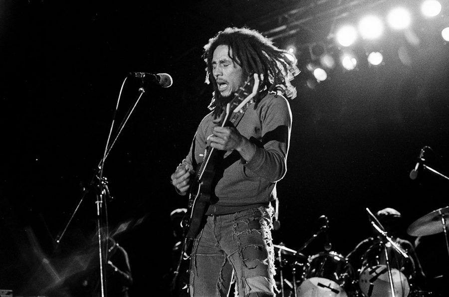 arts_music_reggae_20_jam_marley_bob_1945_1981_pic_marley_bob_guitar_1975