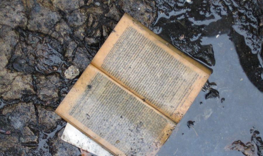 Come asciugare un libro bagnato