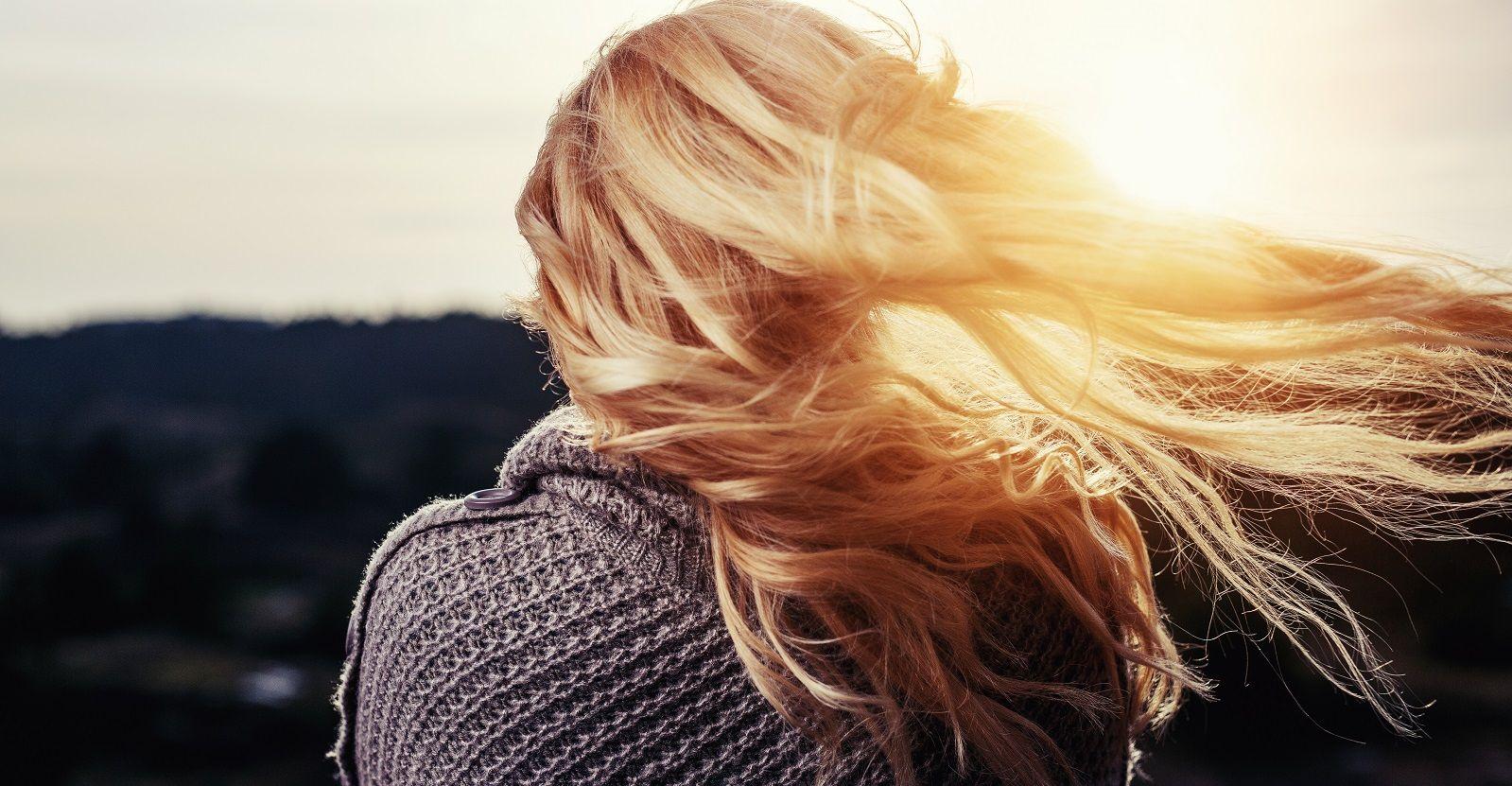 10 rimedi naturali contro la forfora grassa