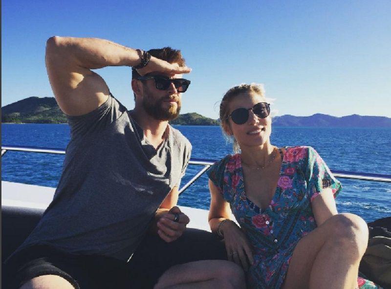 Chris Hemsworth ed Elsa Pataky in barca