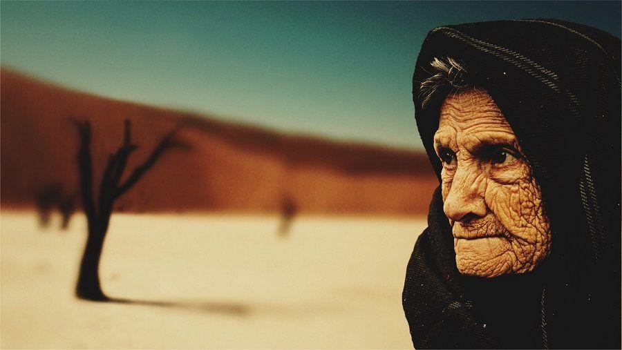 Una donna molto anziana