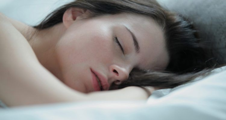 How to sleep with a girl dating somone