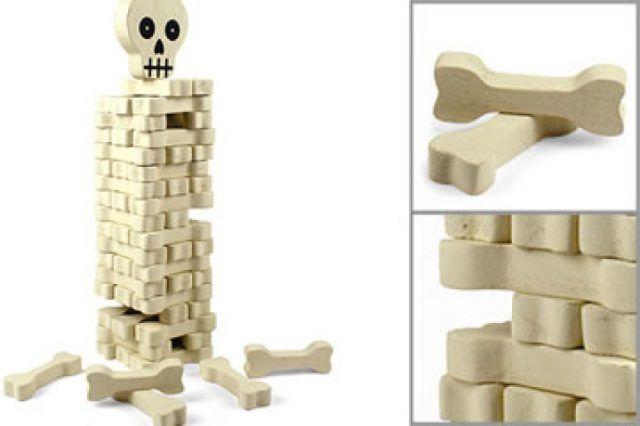 Il jenga a tema Halloween con lo scheletro