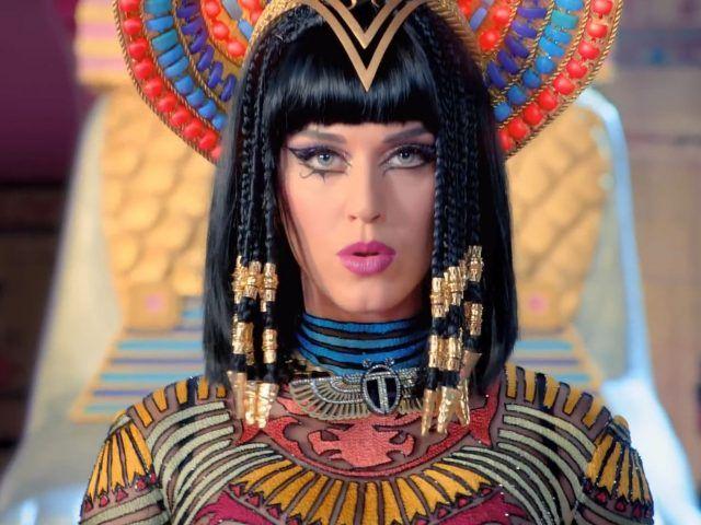 Katy Perry vestita da Cleopatra