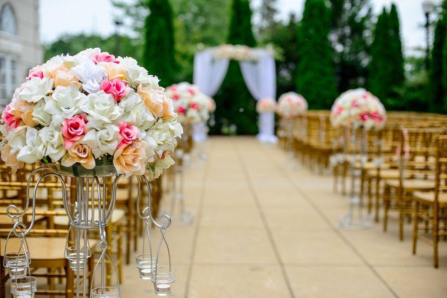 Decorazioni floreali per un matrimonio