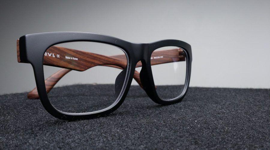 Gli occhiali sono diventati un accessorio glamour