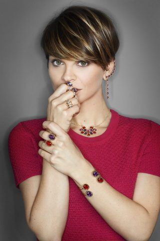 La nostra Alessandra Amoroso da sempre amante dei tagli corti.