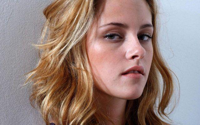 Famosi i problemi di occhiaie di Kristen Stewart.