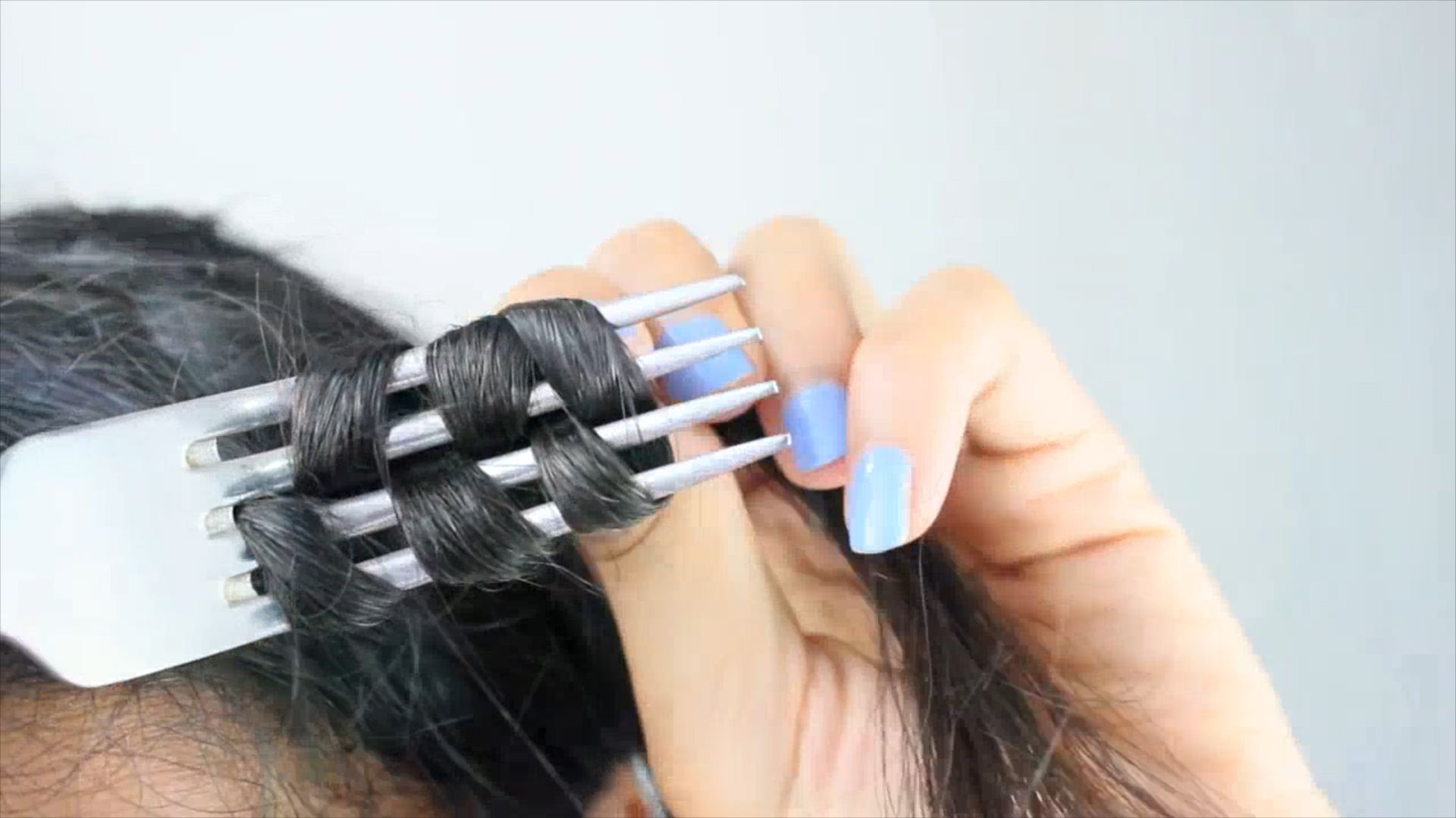 Come arricciare i capelli con le posate