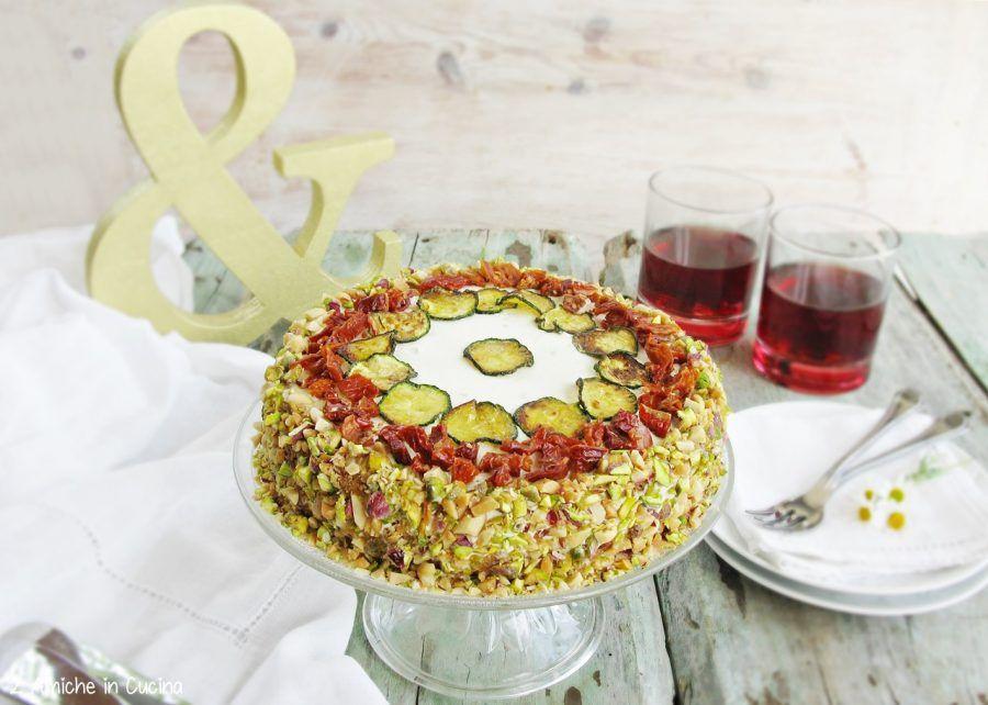 Torta salata con zucchine e pomodorini secchi