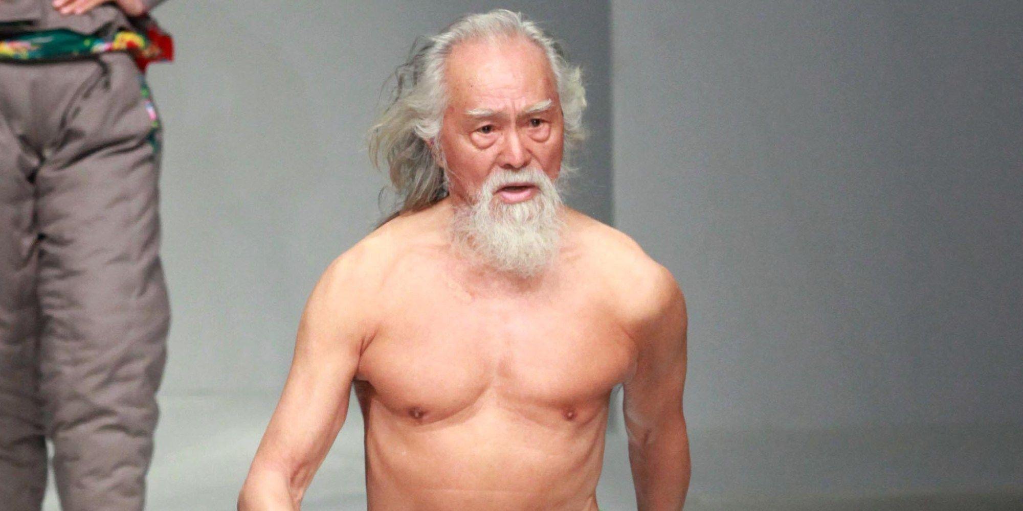 Wang Deshun, il modello di 80 anni che fa impazzire sulle passerelle