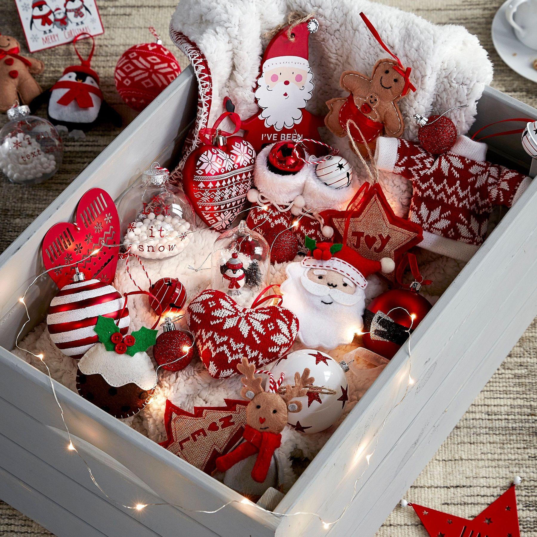 Palline e decorazioni di Natale, come farle con il dentifricio