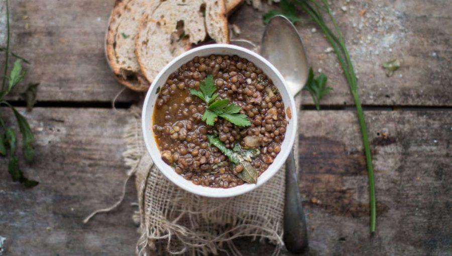 Zuppa di lenticchie con castagne arrosto