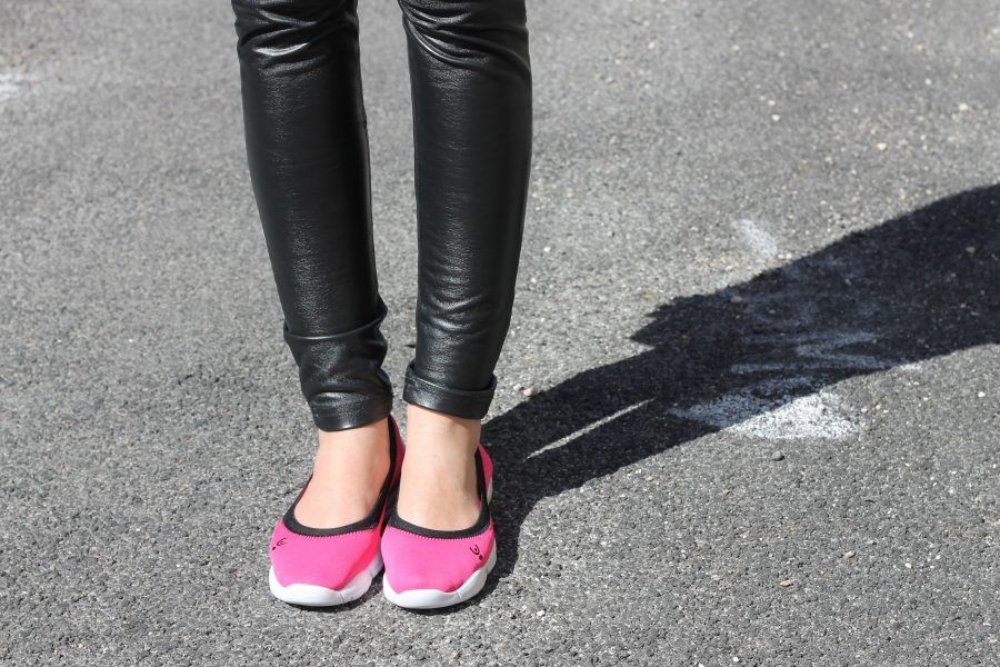 ...volete farmi credere che l'uomo con cui uscite vi piace davvero, con indosso quelle scarpe lì?!