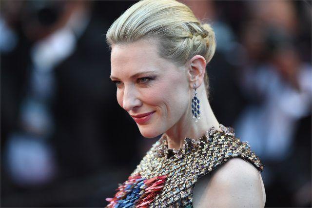 La diva Cate Blanchett mostra i primi segni dell'età che avanza.