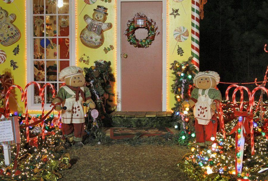 Vialetto di ingresso decisamente illuminato per Natale
