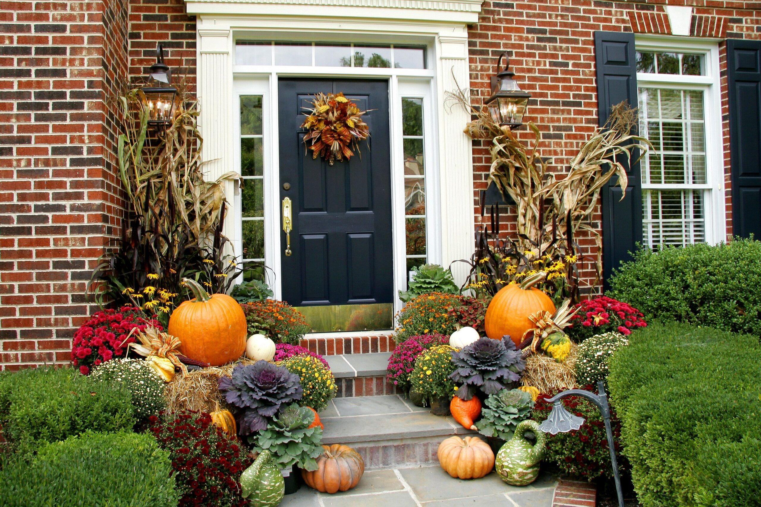 Come decorare la porta d'ingresso di casa in base alla stagione