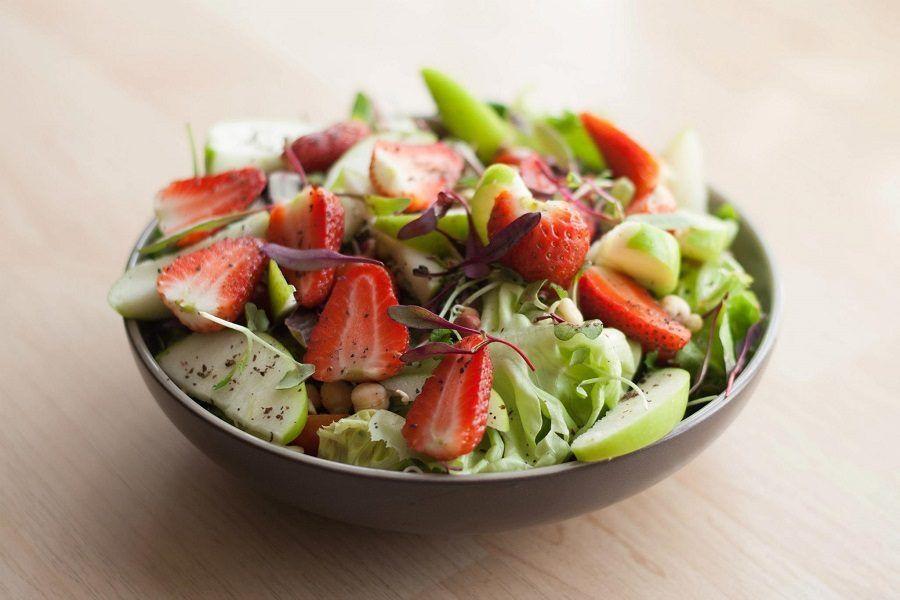 Mangereste la parte rossa o quella verde di questo piatto?