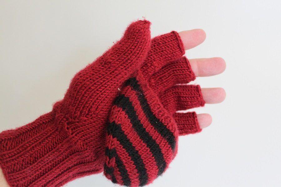 Coprire gli impacchi per le ragadi con i guanti