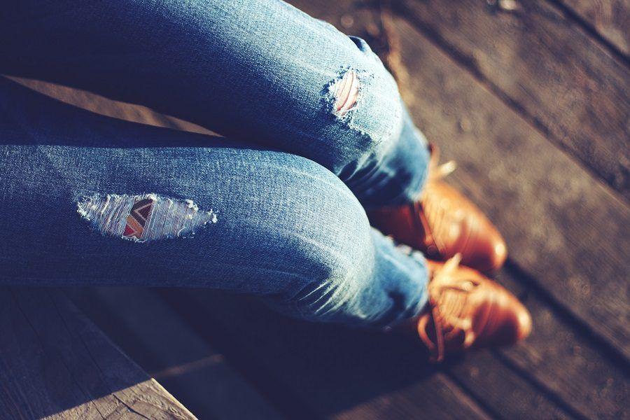 Pantaloni di jeans con le toppe
