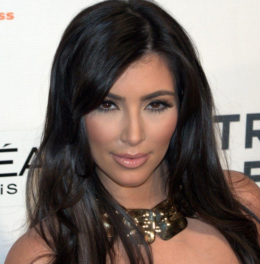 La lunga chioma di Kim Kardashian