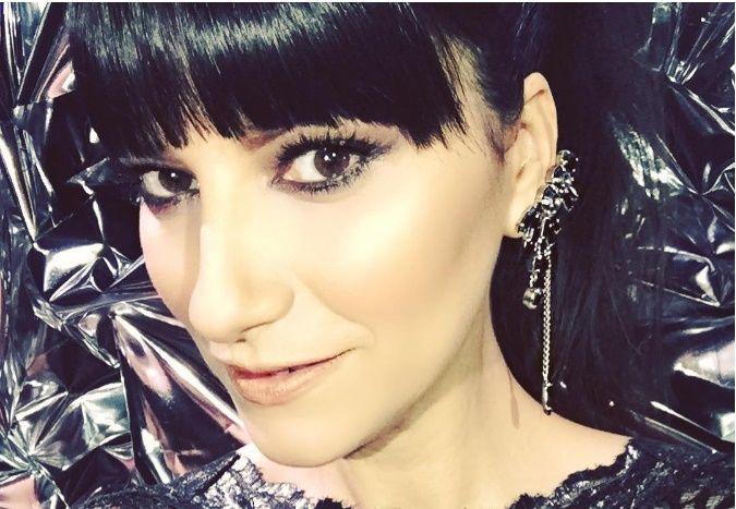 La frangia di Laura Pausini