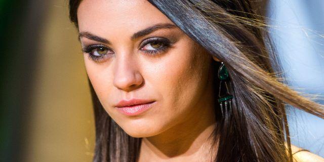 Perfino la meravigliosa Mila Kunis qualche volta soffre di piccole imperfezioni cutanee.