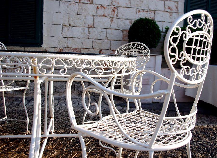 Alcuni mobili da giardino