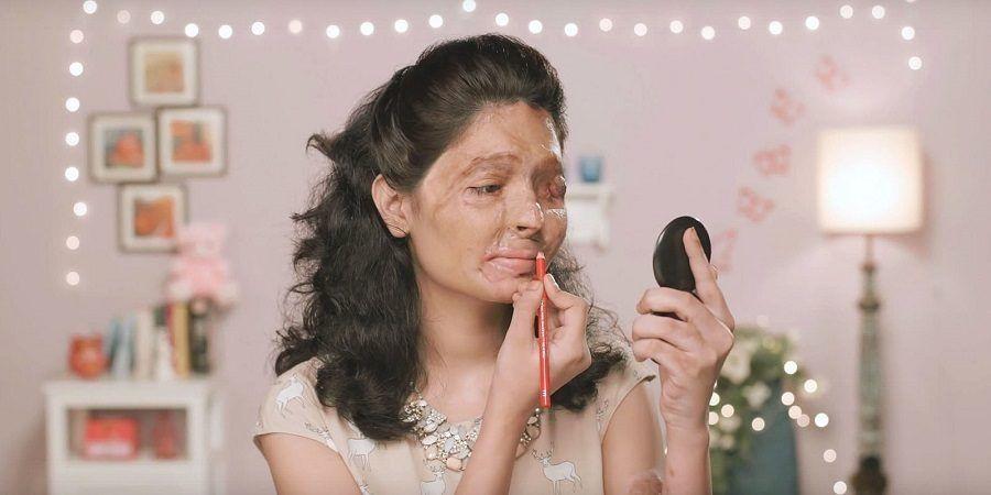 Il video tutorial di Reshma su come truccarsi le labbra