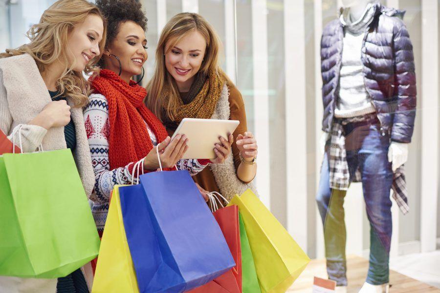 Comparison between shop online and shop display