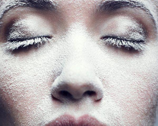 In inverno il nostro viso viene aggredito dalle basse temperature.