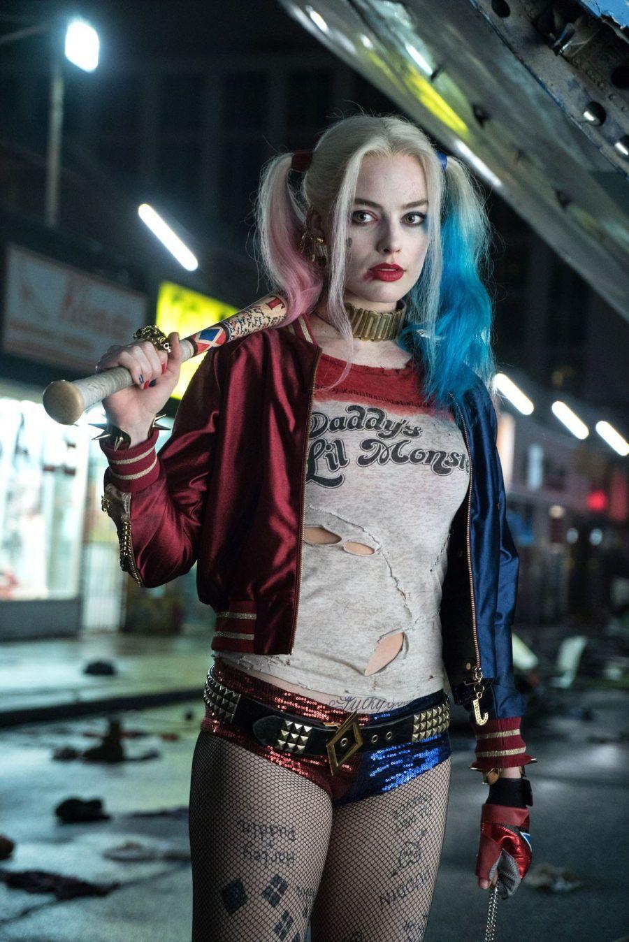 ...che poi, vorrei vedere quante ventenni possono davvero competere con Margot Robbie, e la sua Harley Quinn...