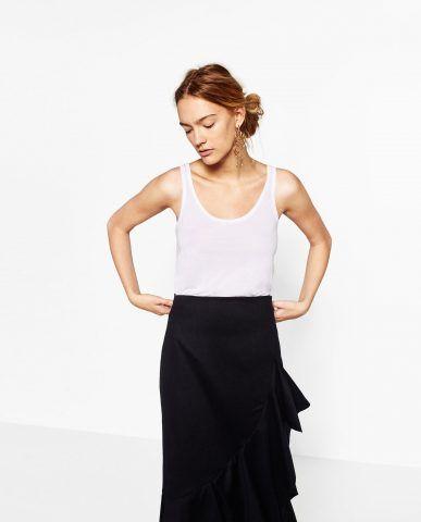 Canotta Zara da indossare con shorta o mini e maxi orecchini 9,95 EUR - Zara