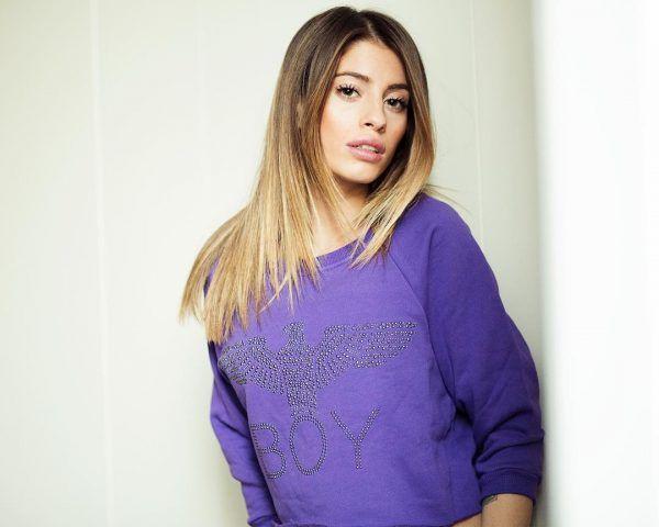 Sfumature bionde su capelli castani (Chiara Nasti)