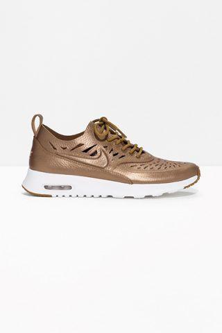 Nike Air Max Thea Joli 135 €